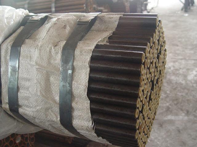 Các nhà sản xuất và phân phối thép